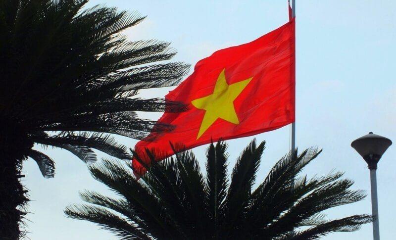Вьетнам флаг